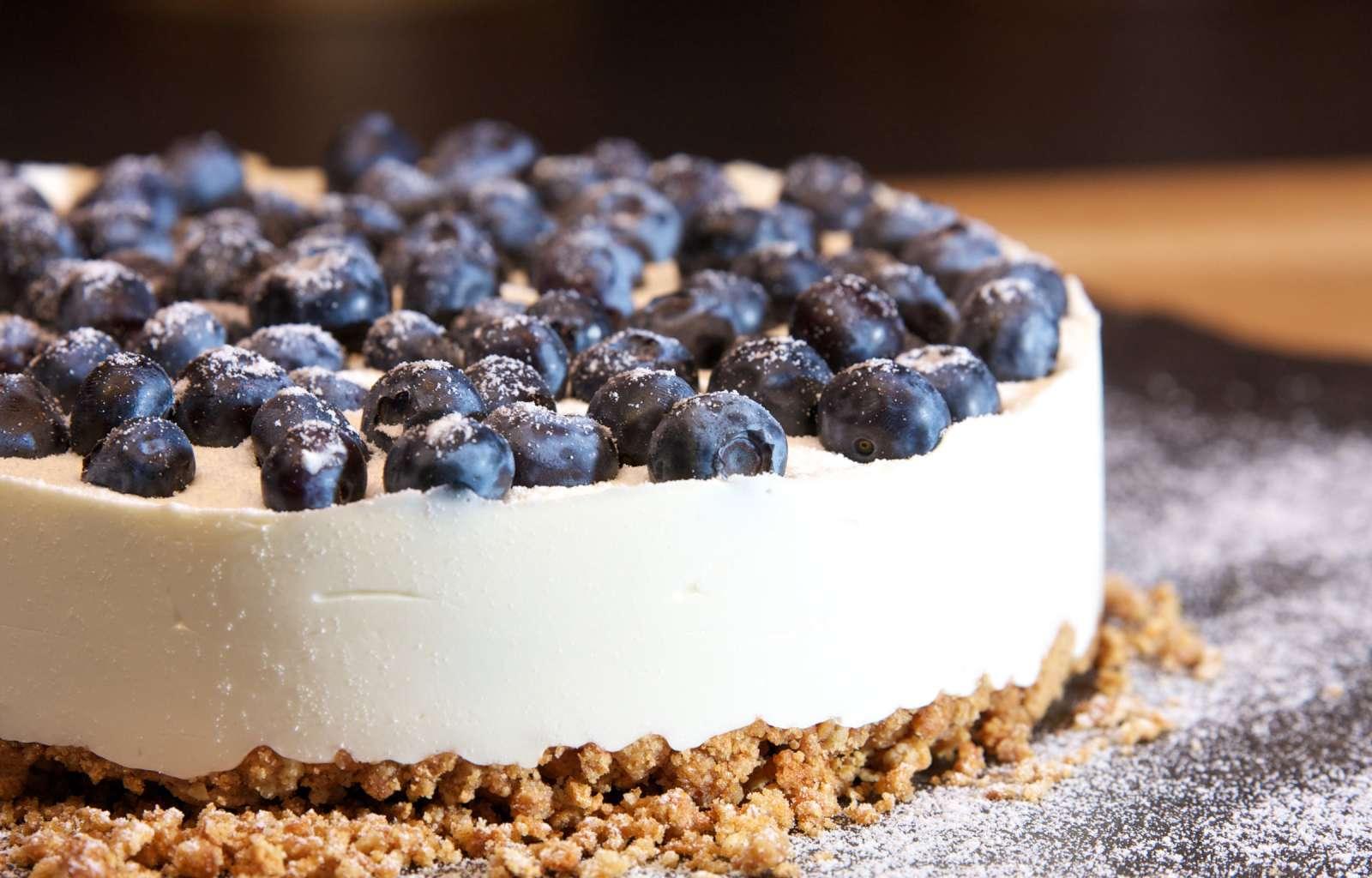 Kuchen, frischer Kuchen, Beerenkuchen